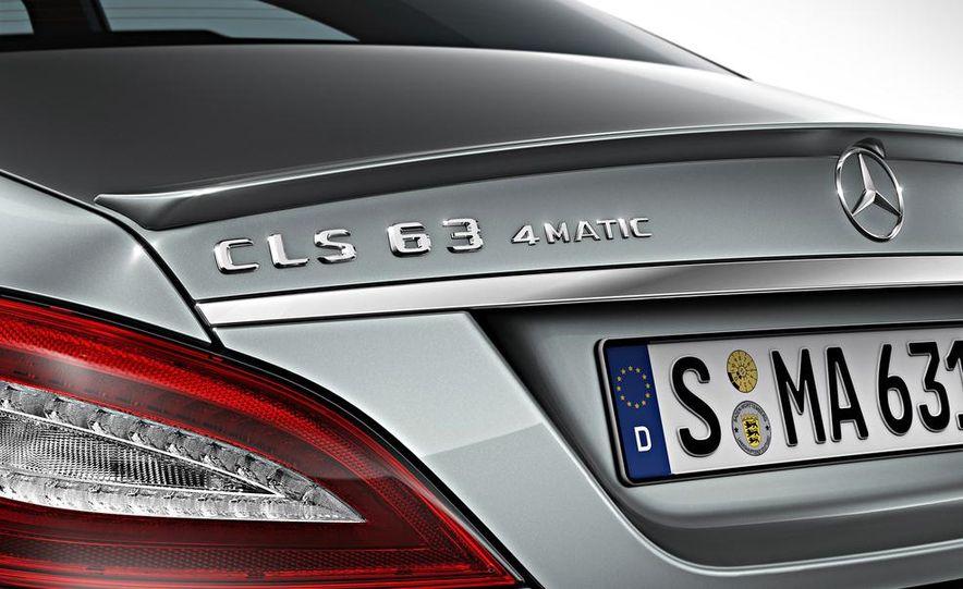2014 Mercedes-Benz CLS63 AMG S-Model 4MATIC sedan - Slide 7