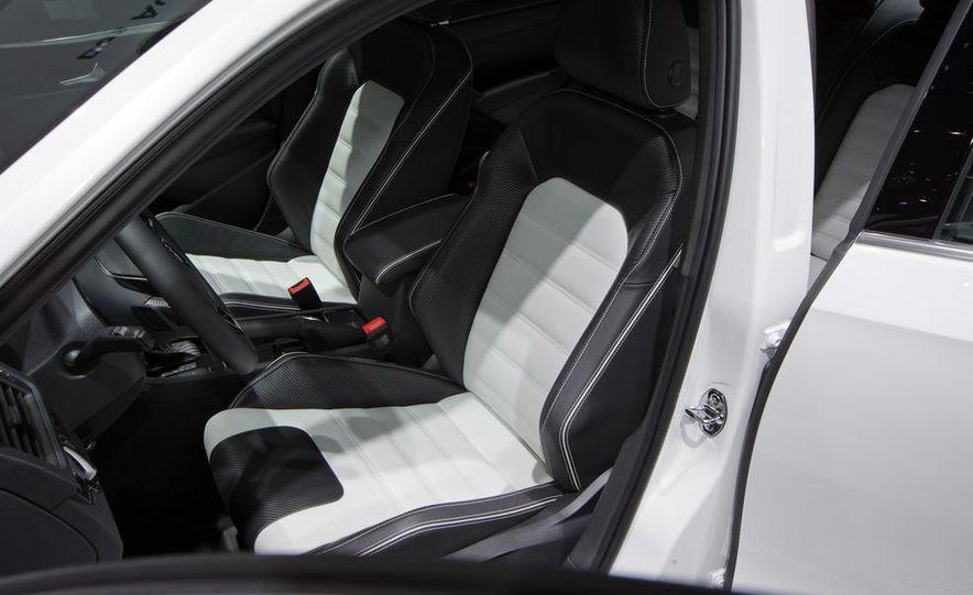 Volkswagen Passat Performance concept - Slide 19