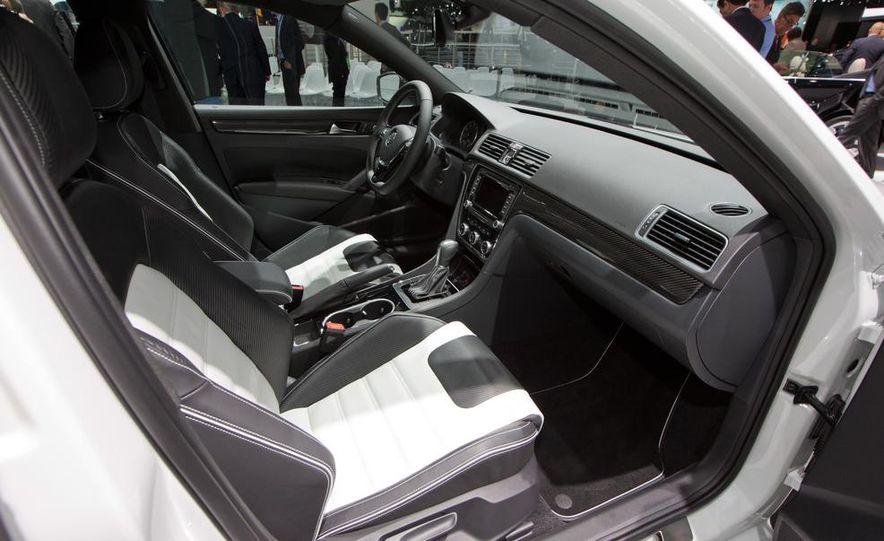 Volkswagen Passat Performance concept - Slide 20