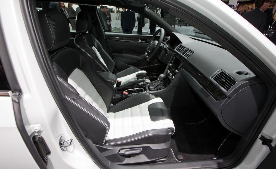 Volkswagen Passat Performance concept - Slide 21