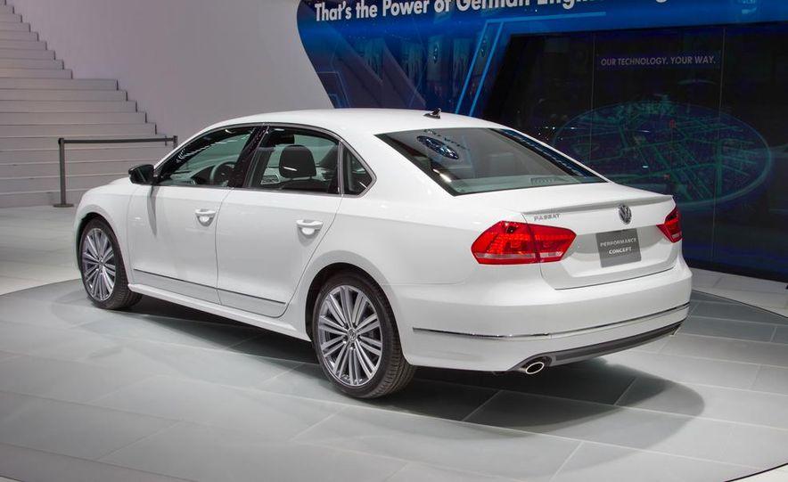 Volkswagen Passat Performance concept - Slide 12