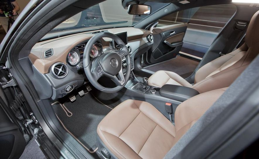 2014 Mercedes-Benz CLA200 Edition 1 - Slide 15