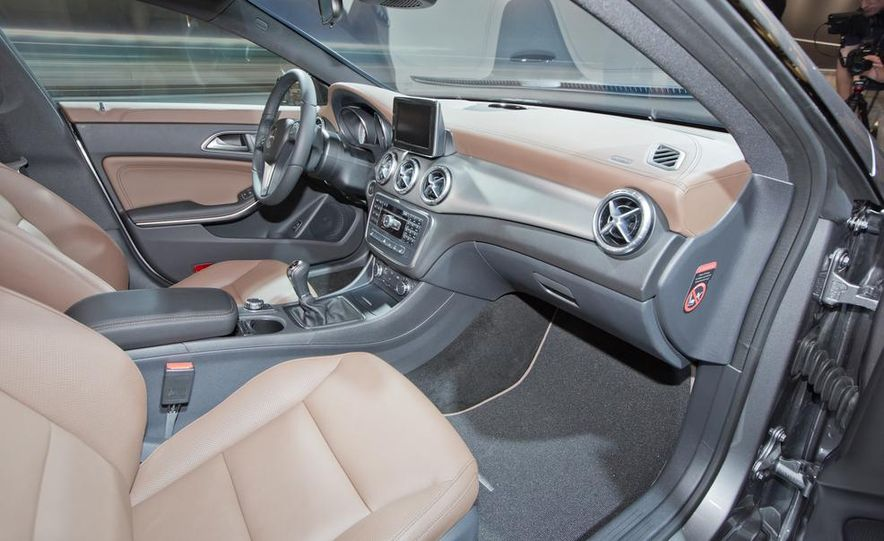 2014 Mercedes-Benz CLA200 Edition 1 - Slide 16