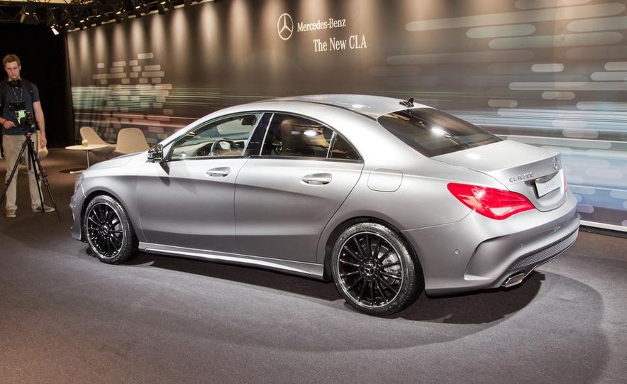 2014 Mercedes-Benz CLA200 Edition 1 - Slide 3