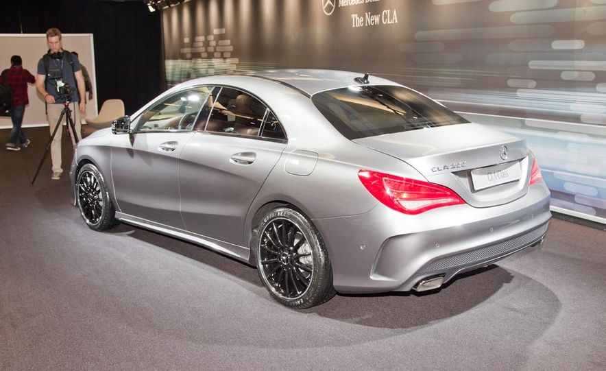 2014 Mercedes-Benz CLA200 Edition 1 - Slide 4