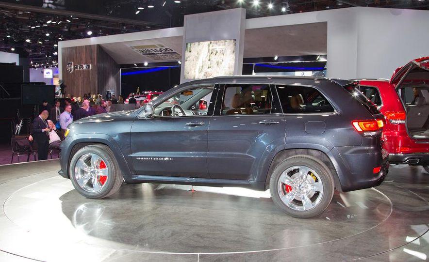 2014 Jeep Grand Cherokee SRT - Slide 9
