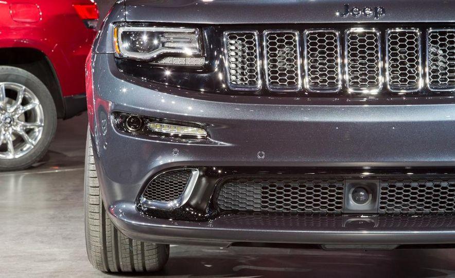 2014 Jeep Grand Cherokee SRT - Slide 13
