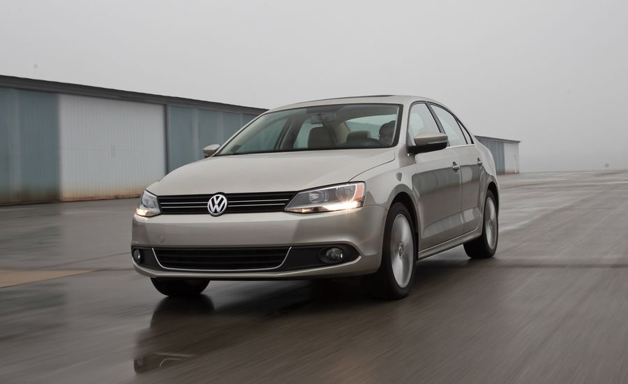 2013 vw jetta comparison test hybrid vs tdi vs gli vs. Black Bedroom Furniture Sets. Home Design Ideas