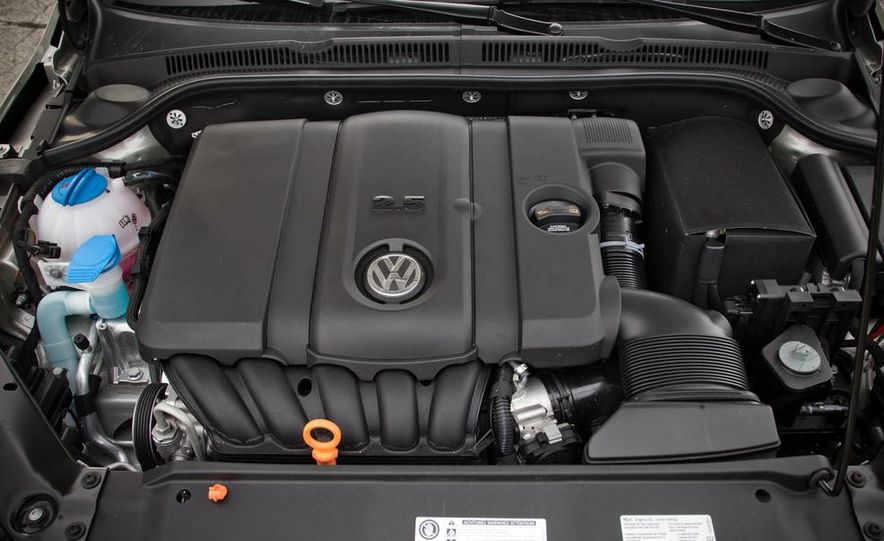 2013 Volkswagen Jetta GLI and TDI - Slide 32