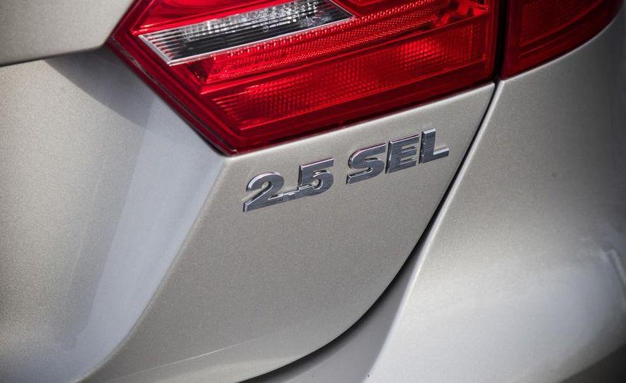 2013 Volkswagen Jetta GLI and TDI - Slide 24