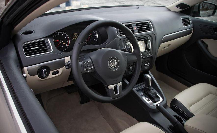 2013 Volkswagen Jetta GLI and TDI - Slide 25