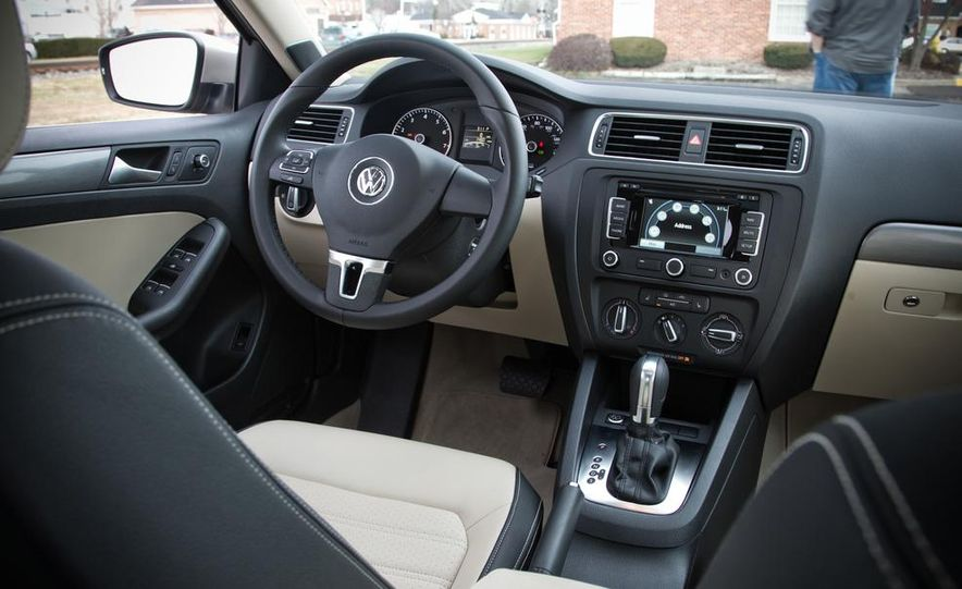 2013 Volkswagen Jetta GLI and TDI - Slide 27