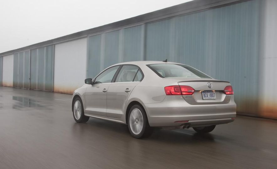 2013 Volkswagen Jetta GLI and TDI - Slide 15