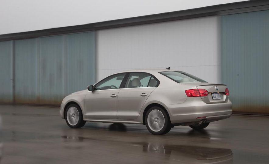 2013 Volkswagen Jetta GLI and TDI - Slide 16