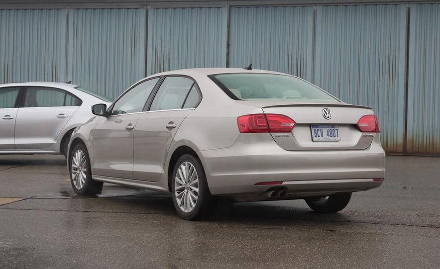 2013 Volkswagen Jetta GLI and TDI - Slide 19