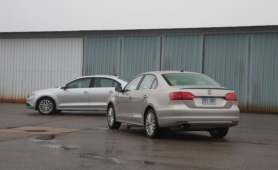 2013 Volkswagen Jetta GLI and TDI - Slide 20