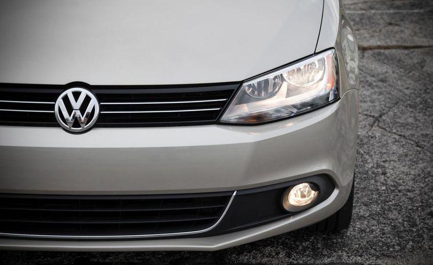 2013 Volkswagen Jetta GLI and TDI - Slide 22