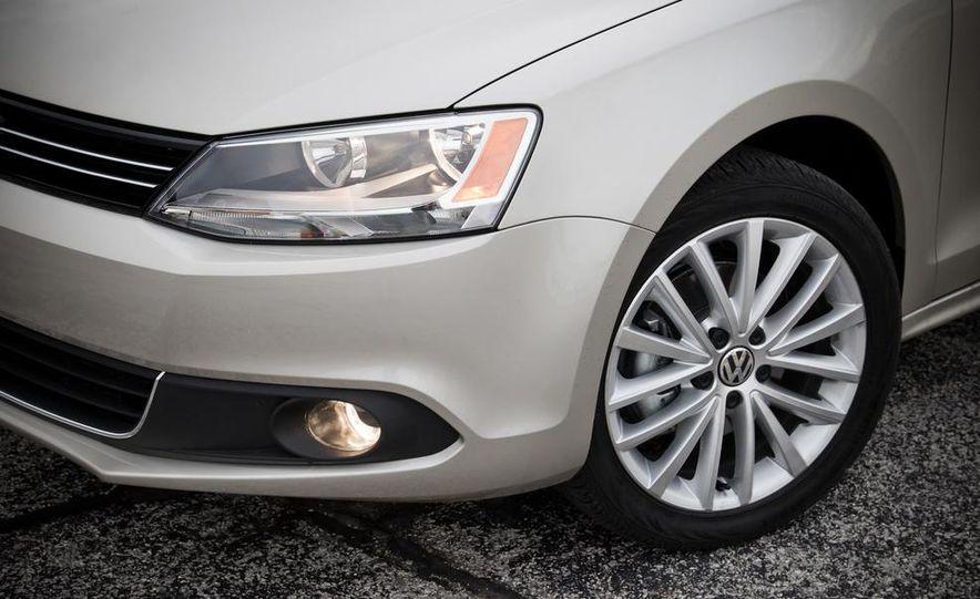 2013 Volkswagen Jetta GLI and TDI - Slide 23