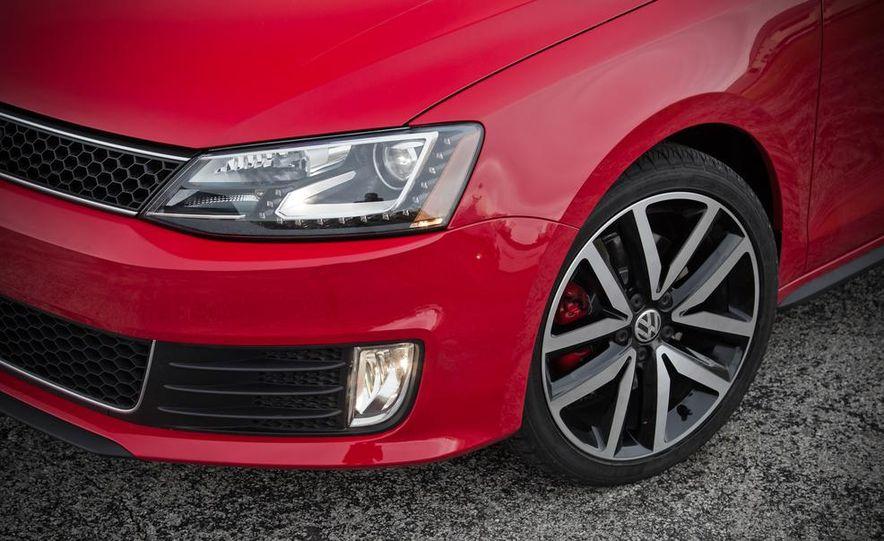 2013 Volkswagen Jetta GLI and TDI - Slide 40