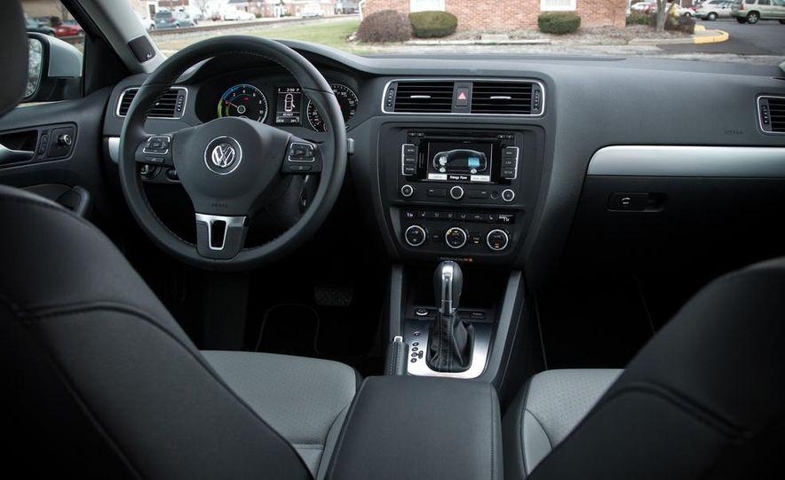 2013 Volkswagen Jetta GLI and TDI - Slide 76