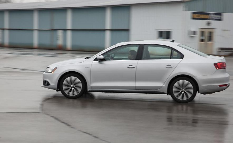 2013 Volkswagen Jetta GLI and TDI - Slide 52