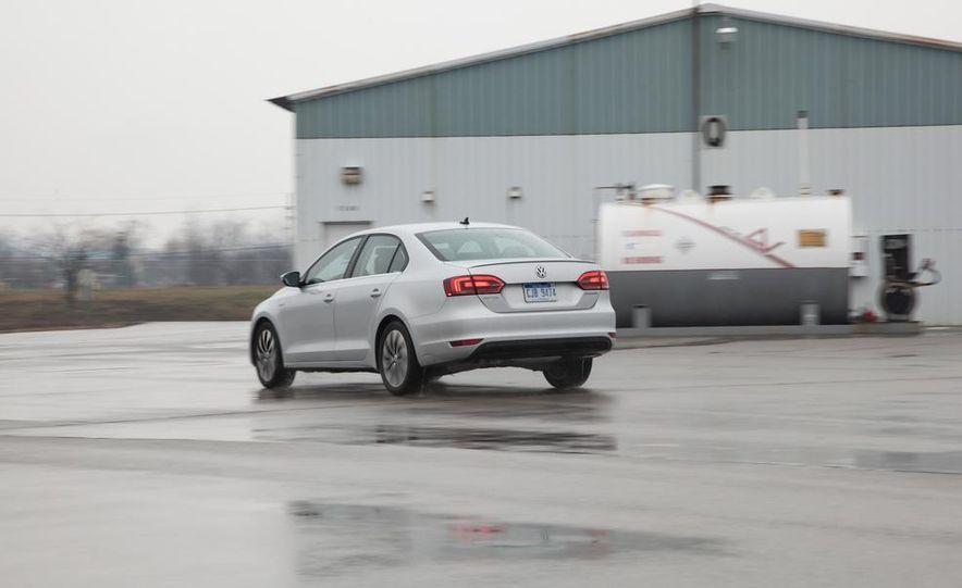 2013 Volkswagen Jetta GLI and TDI - Slide 58