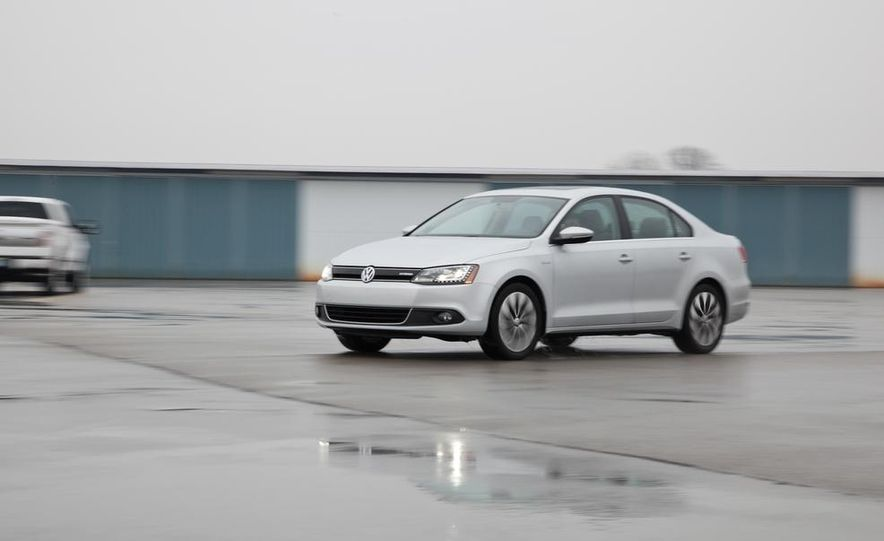 2013 Volkswagen Jetta GLI and TDI - Slide 60