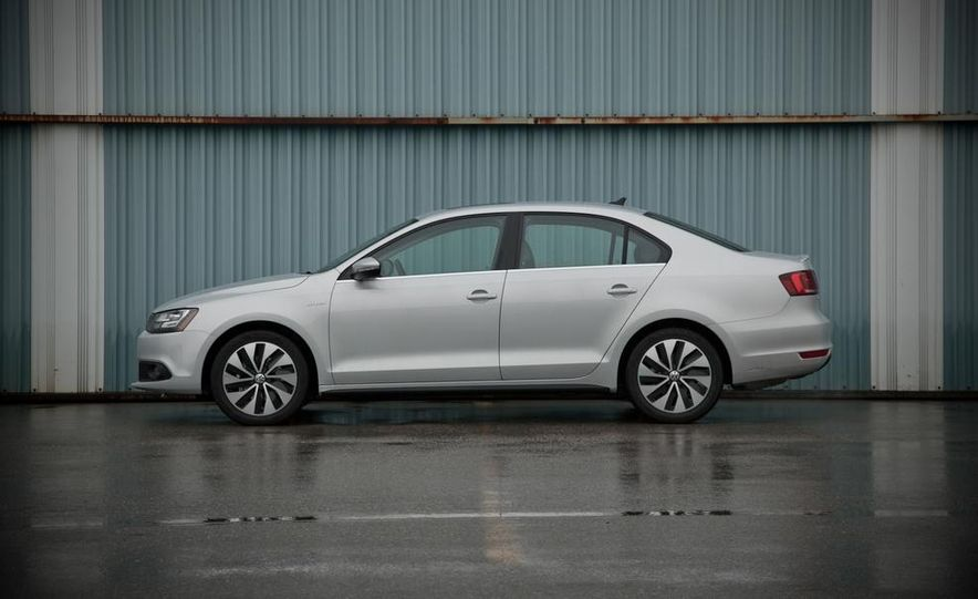2013 Volkswagen Jetta GLI and TDI - Slide 64