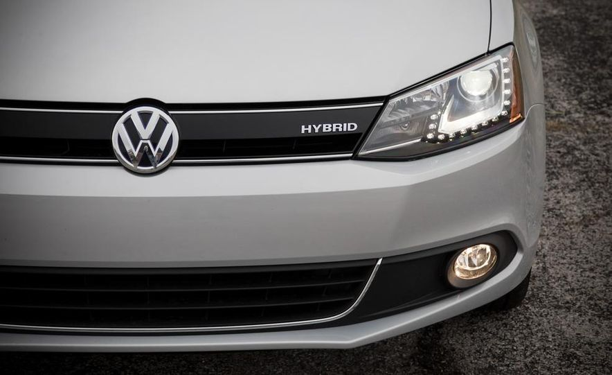2013 Volkswagen Jetta GLI and TDI - Slide 69