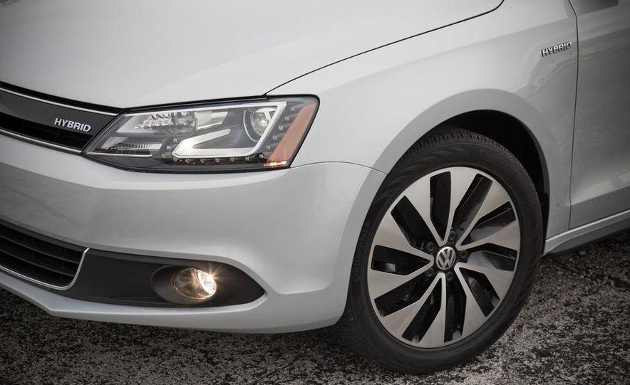2013 Volkswagen Jetta GLI and TDI - Slide 70