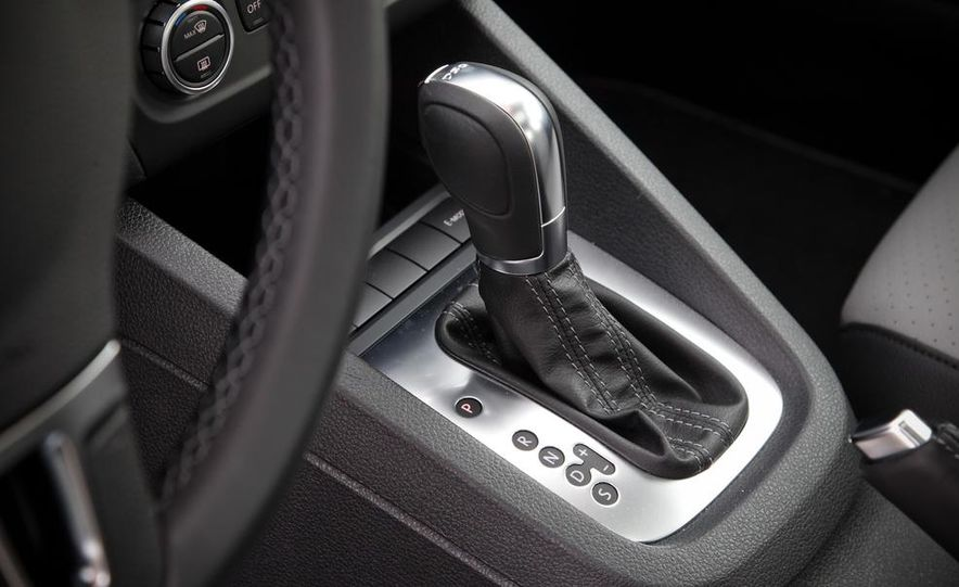 2013 Volkswagen Jetta GLI and TDI - Slide 80