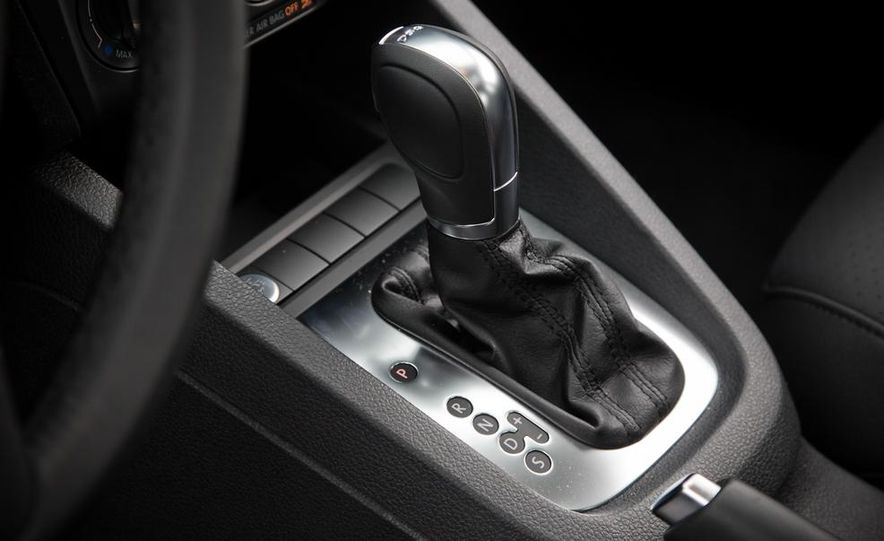 2013 Volkswagen Jetta GLI and TDI - Slide 106
