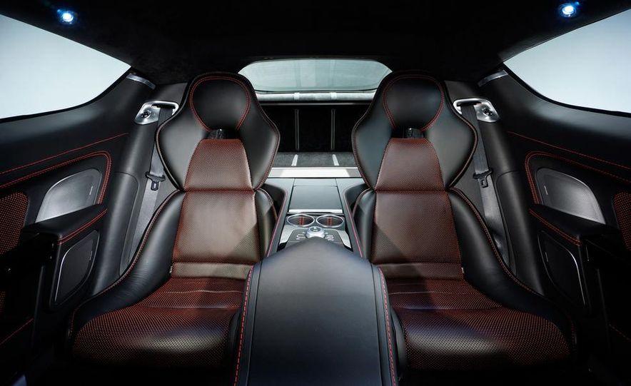 2014 Aston Martin Rapide S - Slide 19