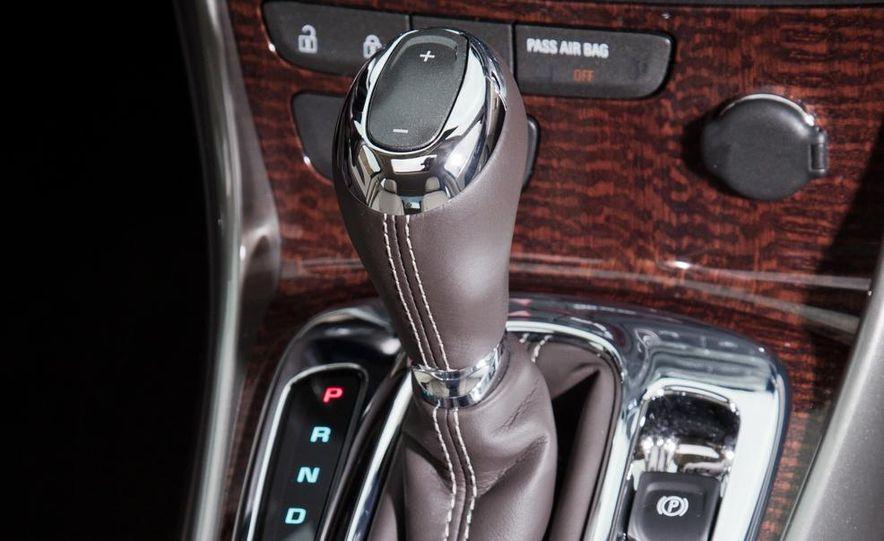 2013 Chevrolet Malibu 2LTZ - Slide 13