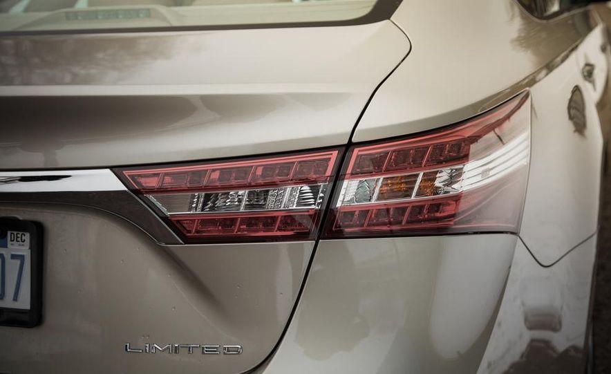 2013 Toyota Avalon Limited - Slide 20