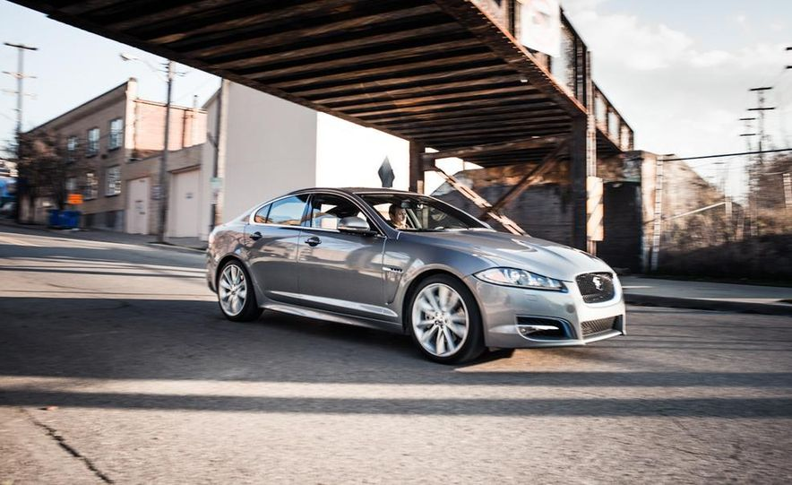 2013 Jaguar XF 2.0T - Slide 1