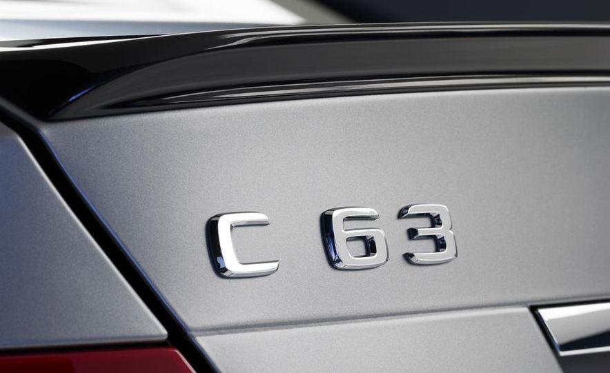 2013 Mercedes-Benz C63 AMG Edition 507 - Slide 10