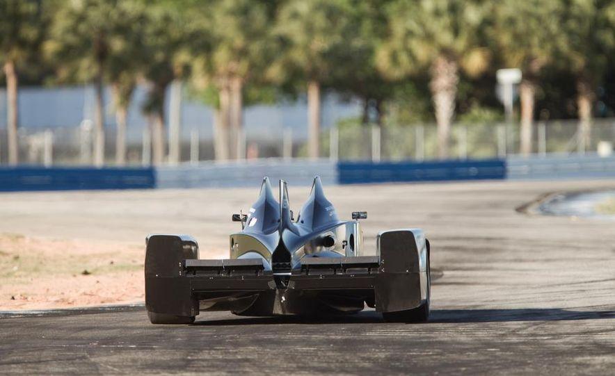 DeltaWing race car - Slide 4