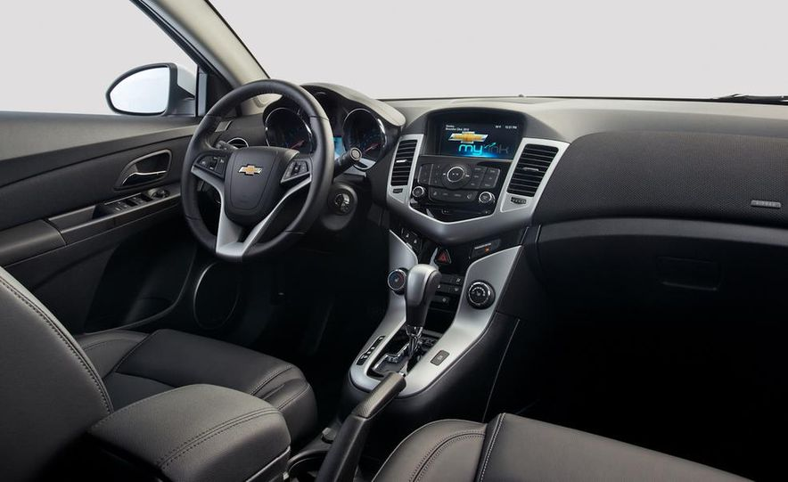 2014 Chevrolet Cruze Diesel - Slide 12