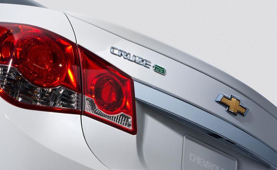 2014 Chevrolet Cruze Diesel - Slide 9