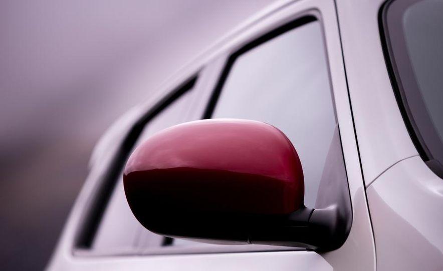 2013 Nissan Juke NISMO - Slide 13