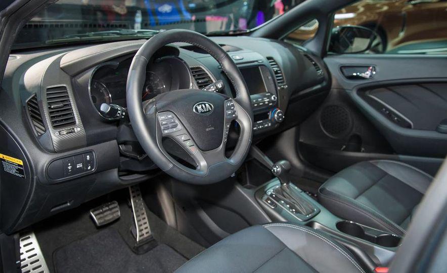 2014 Kia Forte 5-door - Slide 6