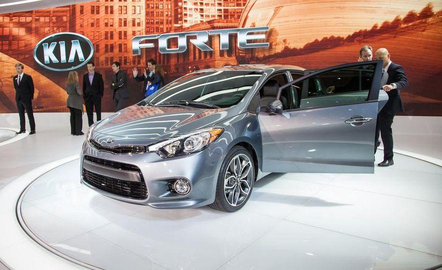 2014 Kia Forte 5-door - Slide 1