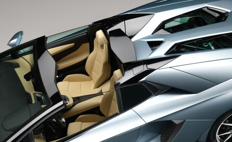 2013 Lamborghini Aventador LP700-4 Roadster - Slide 59