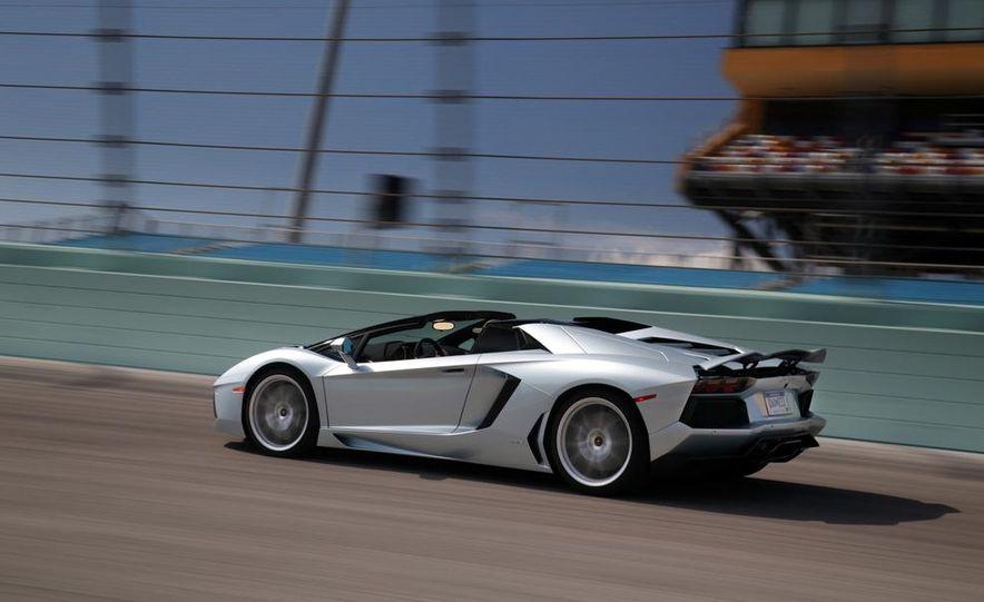 2013 Lamborghini Aventador LP700-4 Roadster - Slide 5