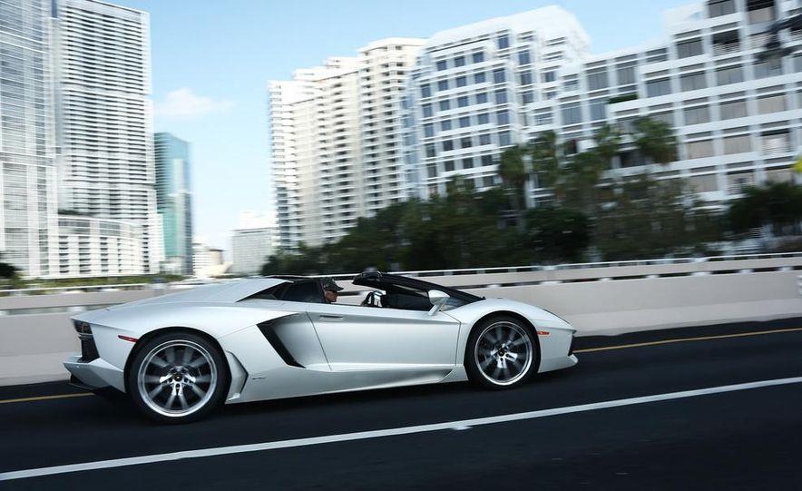2013 Lamborghini Aventador LP700-4 Roadster - Slide 11