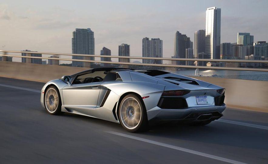 2013 Lamborghini Aventador LP700-4 Roadster - Slide 13