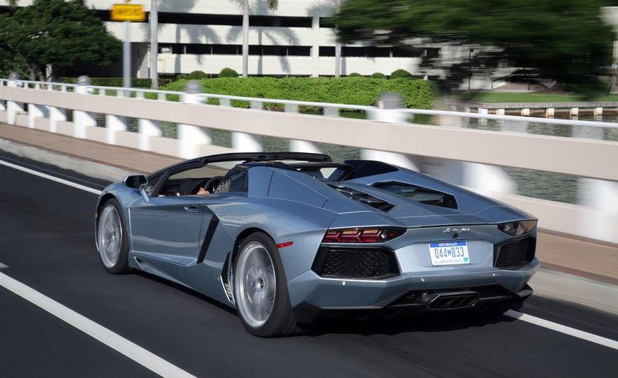 2013 Lamborghini Aventador LP700-4 Roadster - Slide 14
