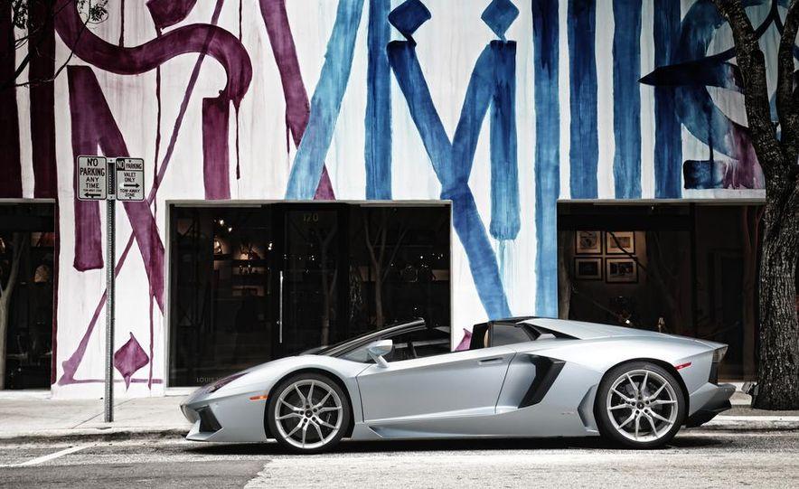 2013 Lamborghini Aventador LP700-4 Roadster - Slide 18