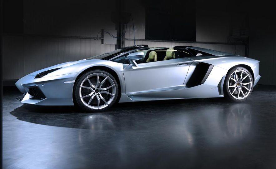 2013 Lamborghini Aventador LP700-4 Roadster - Slide 25